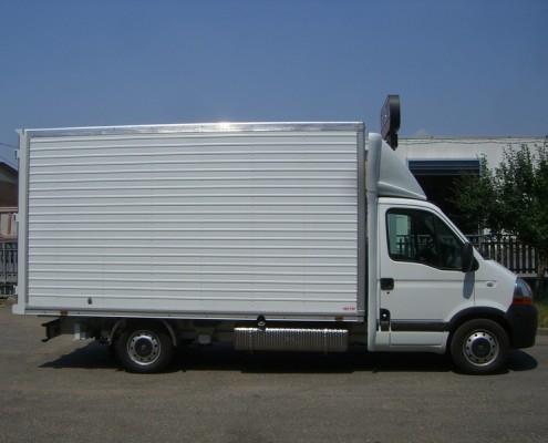 Renault - furgone trasporto abiti appesi