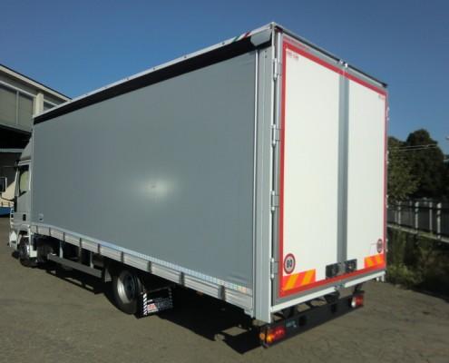 Eurocargo trasporto vetture rampe di carico sfilabili