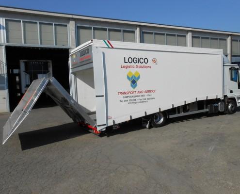 Eurocargo trasporto vetture rampa carico posteriore