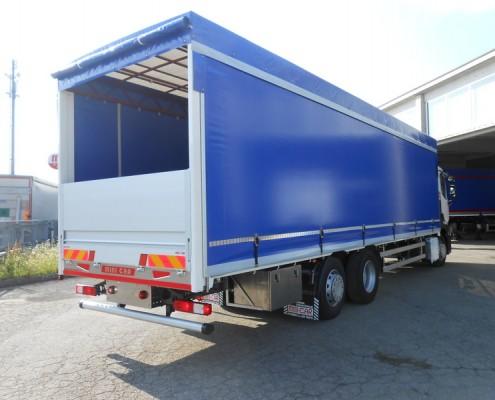 Renault - centine idraulica, trasporto cartoni